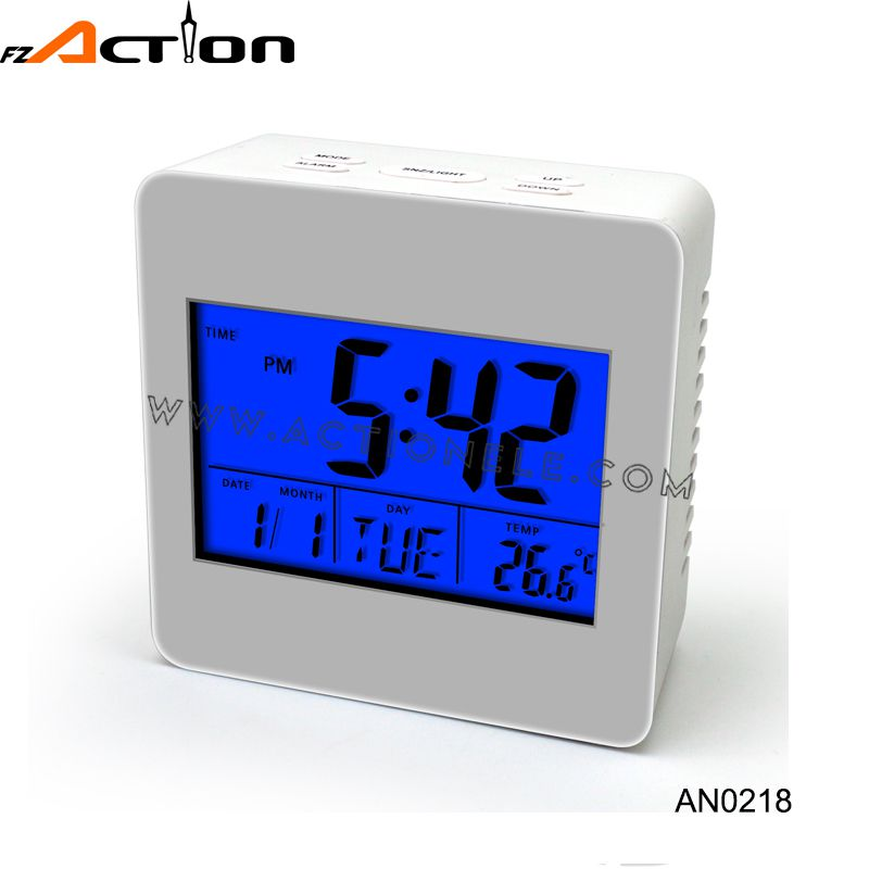 2016 New Cheap LCD Digital Table Alarm Clock for Sale